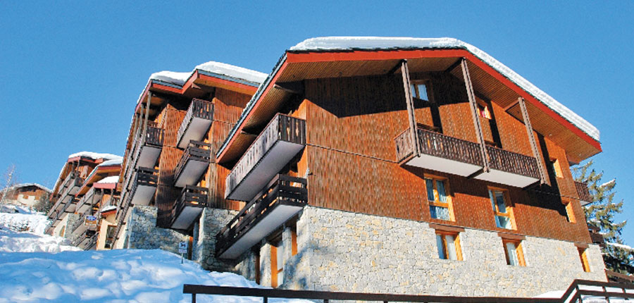 france_three-valleys-ski-area_courchevel_les_brigues_apartments_exterior.jpg